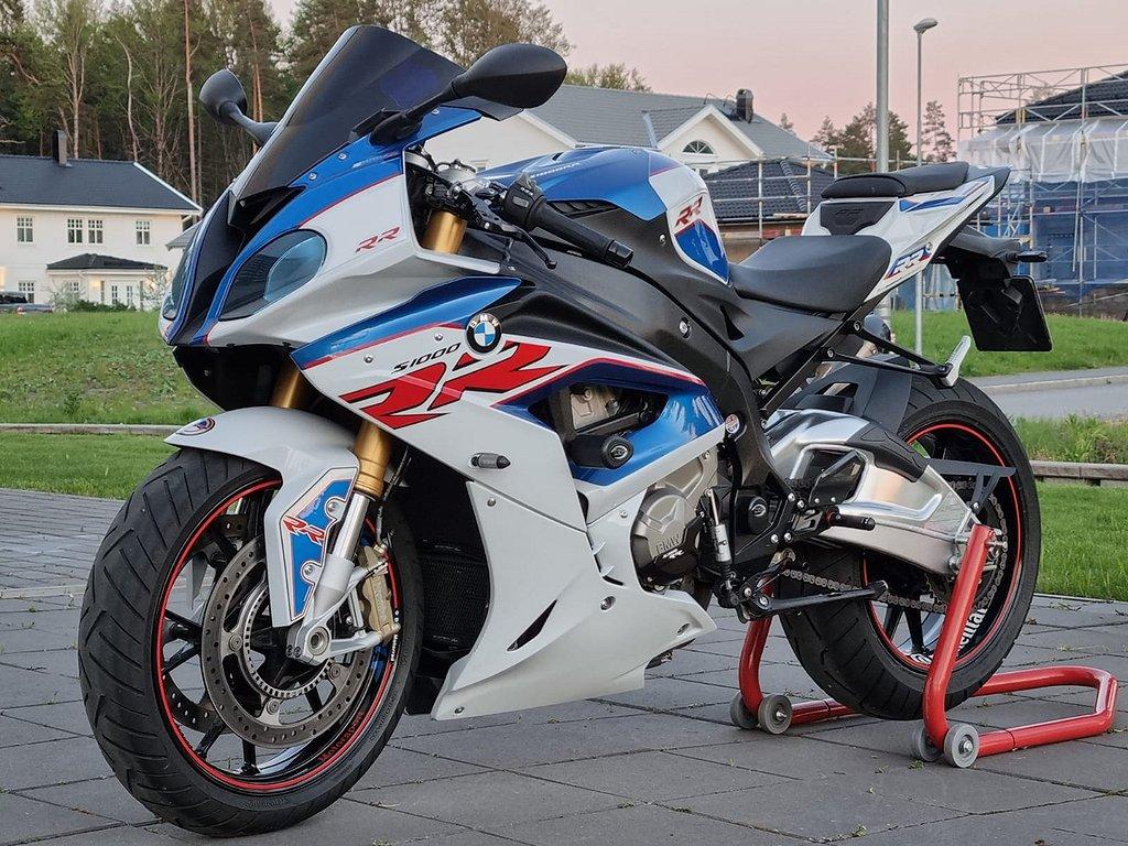 BMW S 1000 RR Dynamic Motorsport Fullutrustad Uttagen 2019