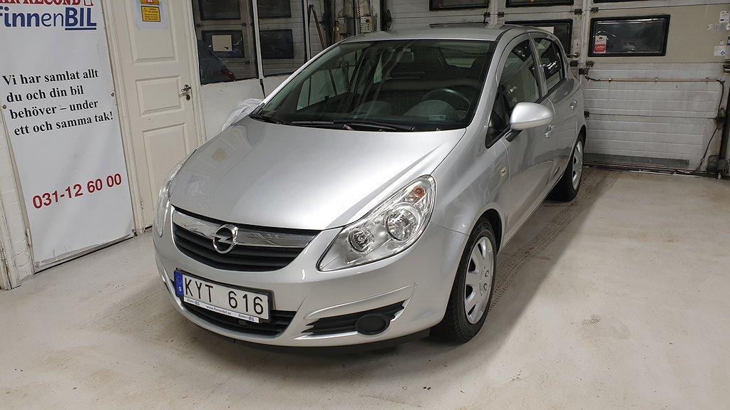 Opel Corsa 1.2 Automat Besiktad Välvårdad