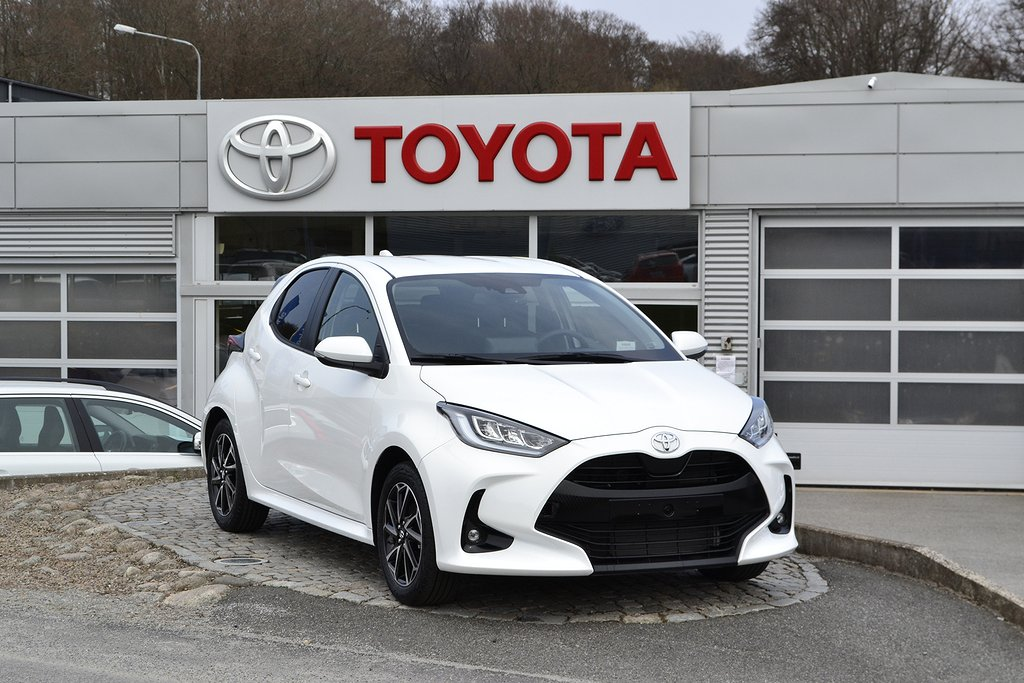 Toyota Yaris 1.5 5-D Active Plus 125hk Ny bil