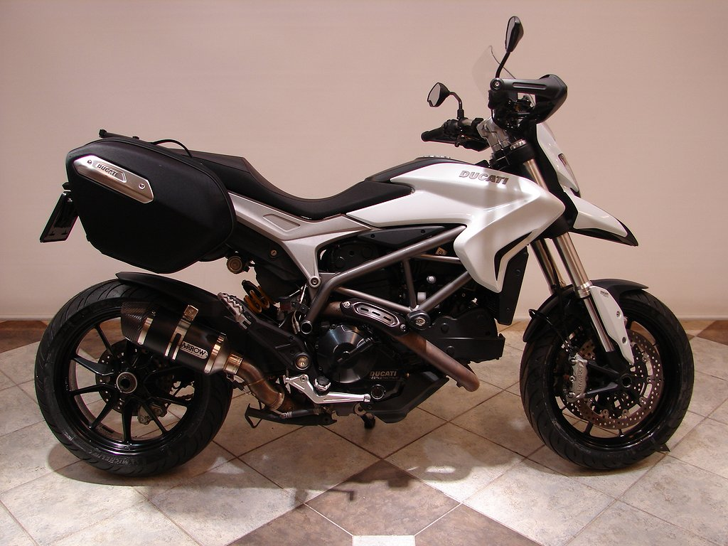 Ducati HYPERSTRADA 821 ABS  12 Mån garanti