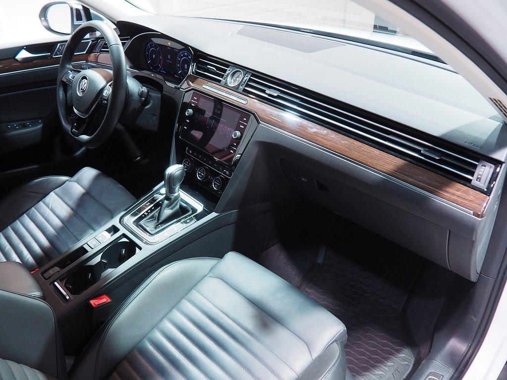 Volkswagen Passat Alltrack 4M DSG Executive 190hk Cockpit 2018
