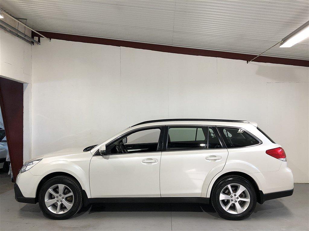 Subaru Outback 2.0 4WD 150hk Navi / Sollucka / Drag
