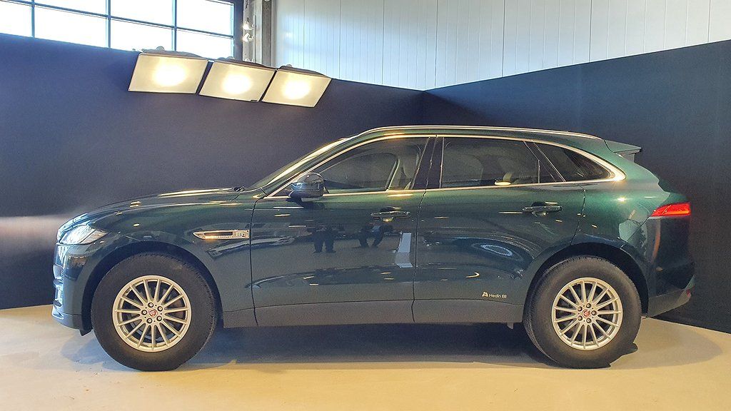 Jaguar F-Pace 20d 180hk AWD Prestige Dragkrok Eur6