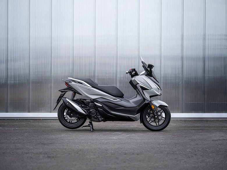 Honda Forza 350 *SLUTSÅLD*
