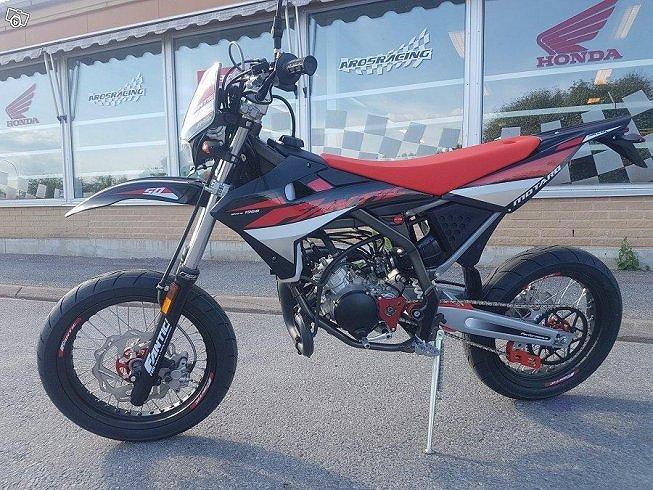 Fantic Motor Performance 50M Moped SuperMotard Klass 1 AM6 *1202