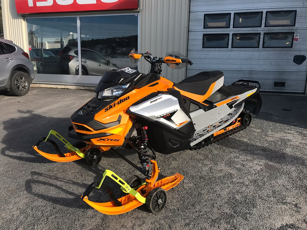 Ski-doo Renegade X-RS 900 Turbo