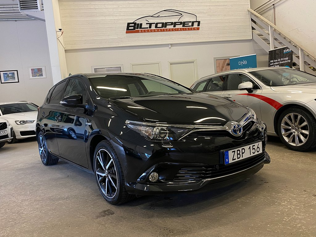 Toyota Auris Hybrid 1.8 VVT-i + CVT 136hk Motorvärmare