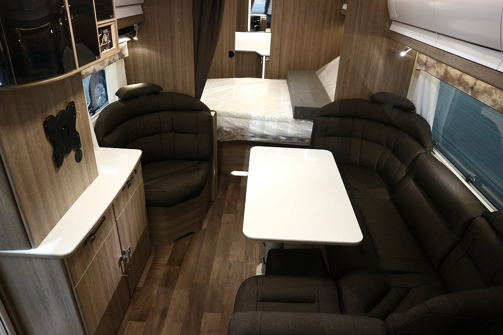 Kabe Royal 740 TDL FK KS *Framkök*Queensbed* - Kabe