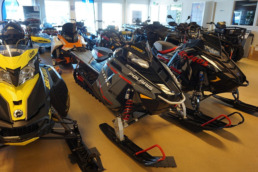"Polaris 800 RMK 155 LE ""Scandinavian Beast"""