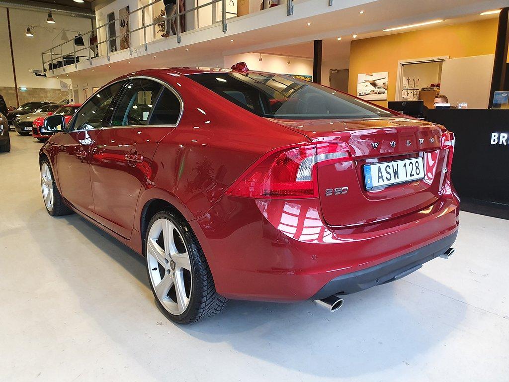 Volvo S60 T4 Powershift Momentum R-Design 180hk
