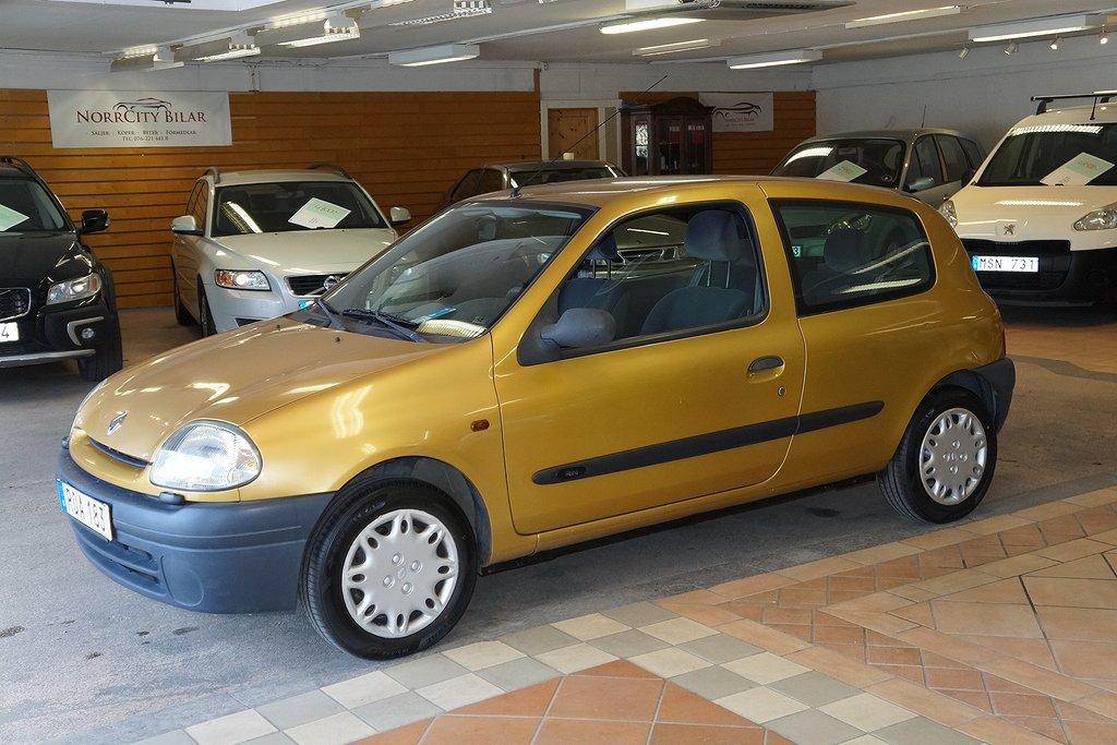 Renault Clio 1.2 / Nybesiktigad / 6800 Mil