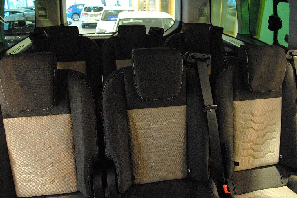 Ford Tourneo Custom Limited 2.2 TDCi 125hk L2