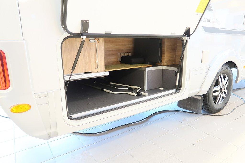 Husbil-integrerad Adria Sonic 710 SLT Supreme 12 av 37