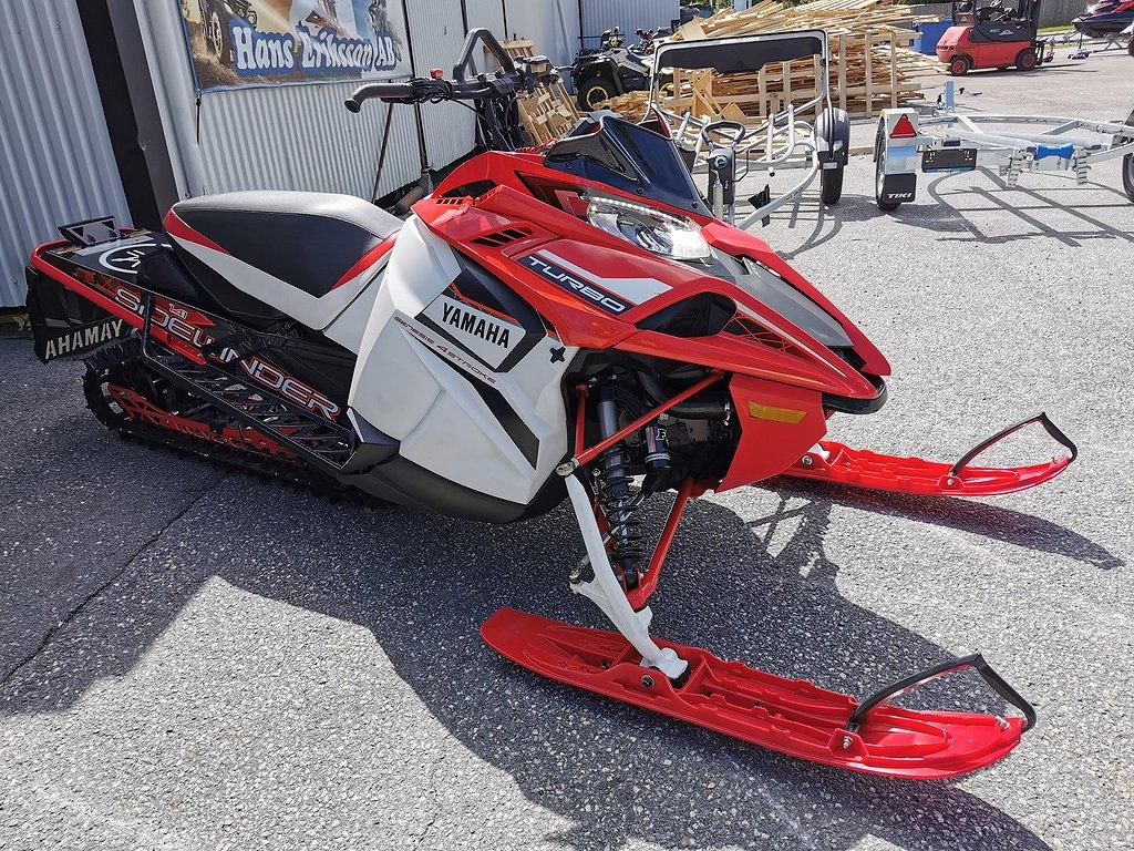 Yamaha Sidewinder X-TX SE 141  260Hk