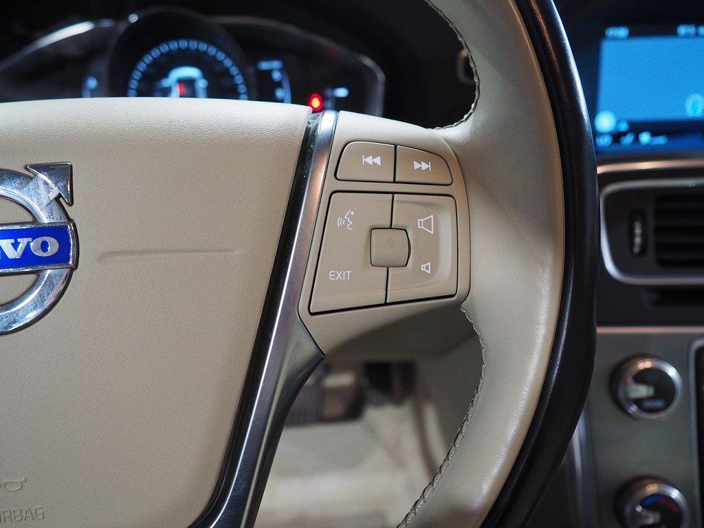 Volvo S60 D3 Auto Momentum D-VÄRM DRAG 2017