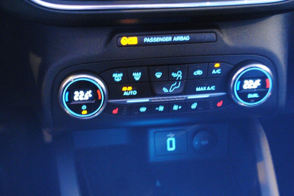 Ford Focus Active 1.0T EcoBoost 125hk Aut Kombi *Drag*