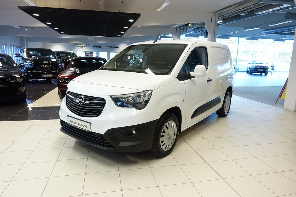 Opel Combo Business L1 1.5 100hk *Drag & Värmepaket*