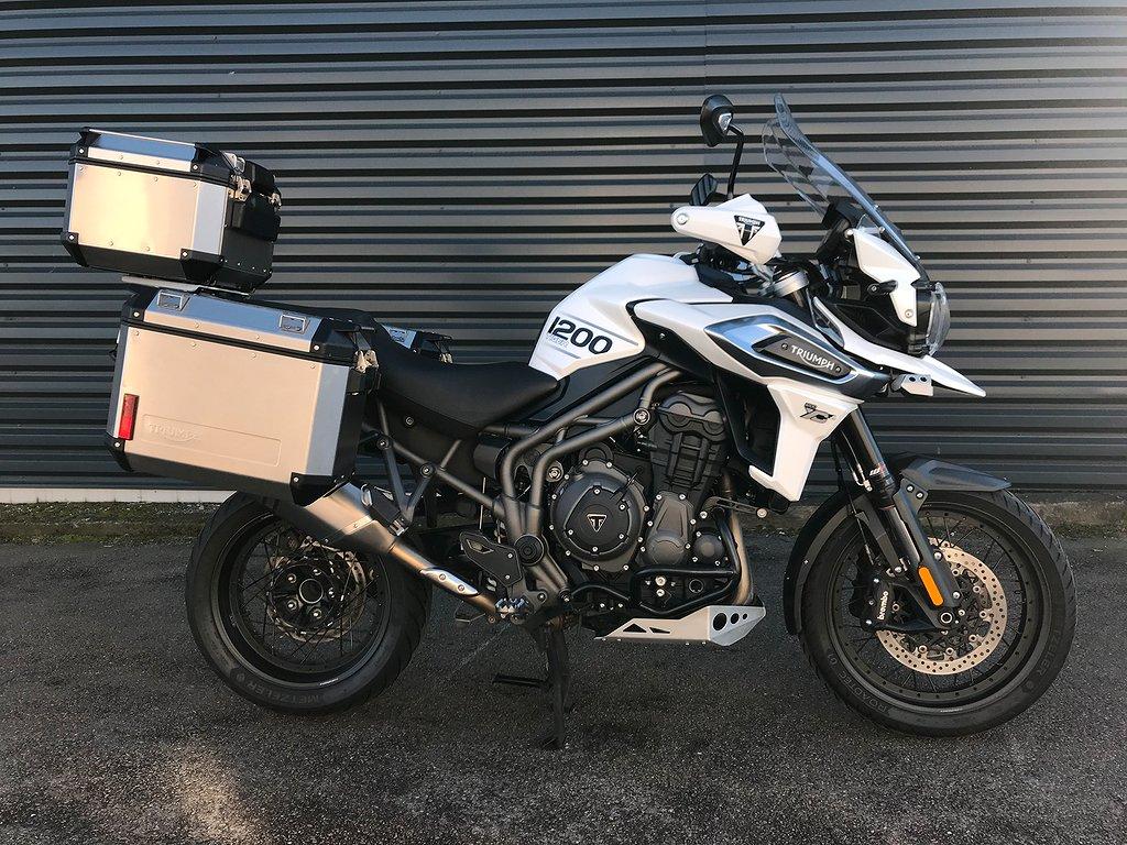 Triumph 1200 XCA