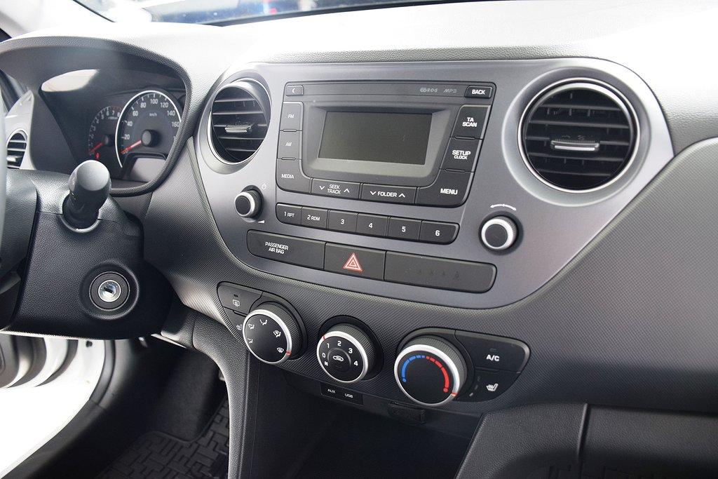 Hyundai i10 1.0 blue 67hk