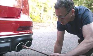 Bilen med fyra fusk-avgasrör – och fuskljud