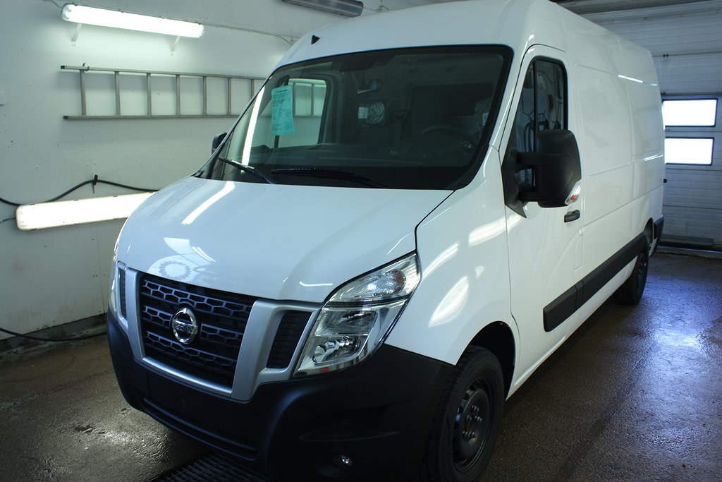 Nissan NV400 269.900:- ex moms L2H2 170hk Working star,