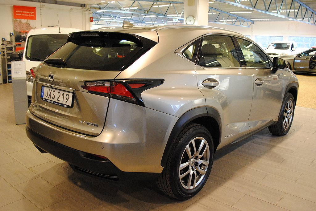 Lexus NX 300h Business AWD 2.5 Aut 197hk Elhybrid