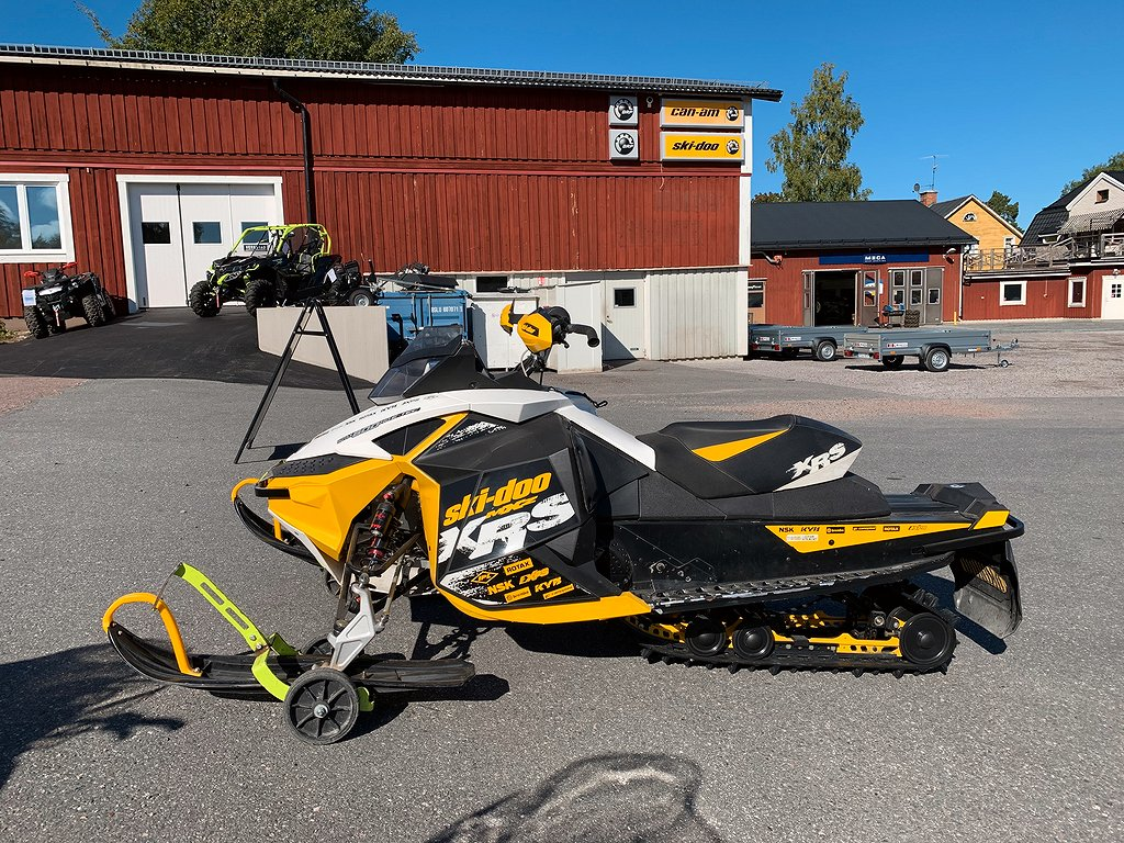 Ski-doo MXZ XRS 600 E-TEC