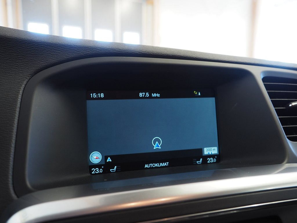 Volvo V60 D3 Momentum 150hk (D-värmare, Drag) 2017