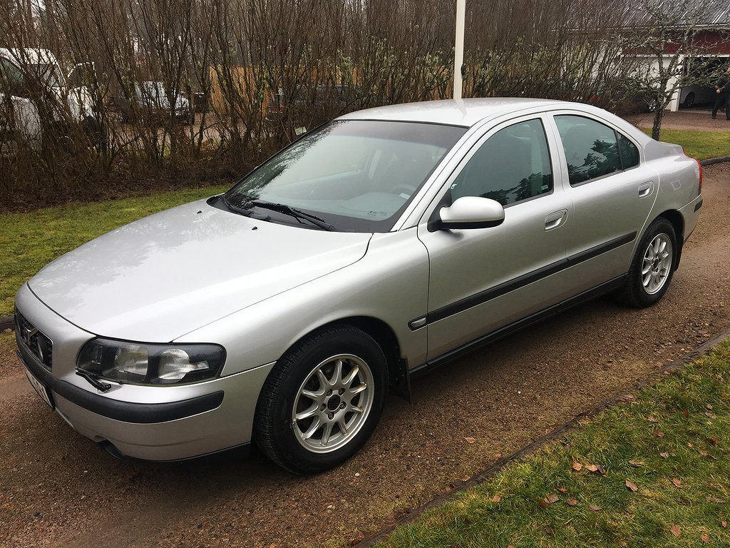 Volvo S60 2.4 140hk