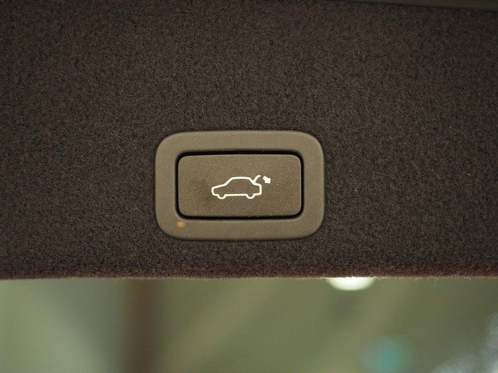 Volvo XC60 D4 AUT R -Design Classic D-VÄRM 190hk 2017