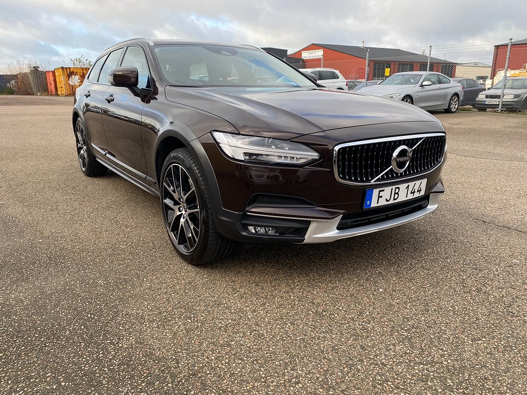 Volvo V90 Cross Country T5 AWD Geartronic Momentum, Plus Euro 6 250hk