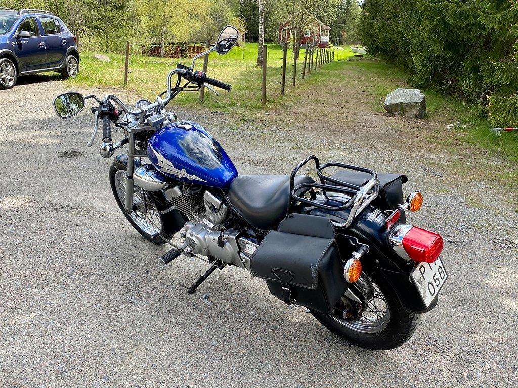 Yamaha XV 250 3LS, Väskor + Pkt hållare, Motivlack