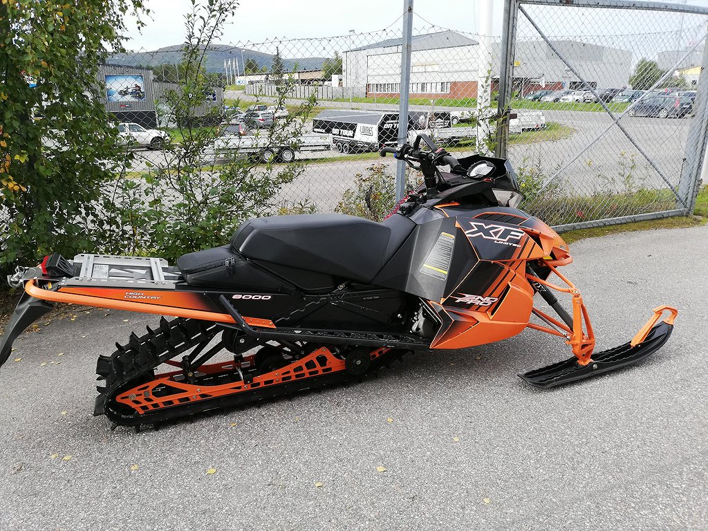Arctic Cat XF 8000 Limited High Country