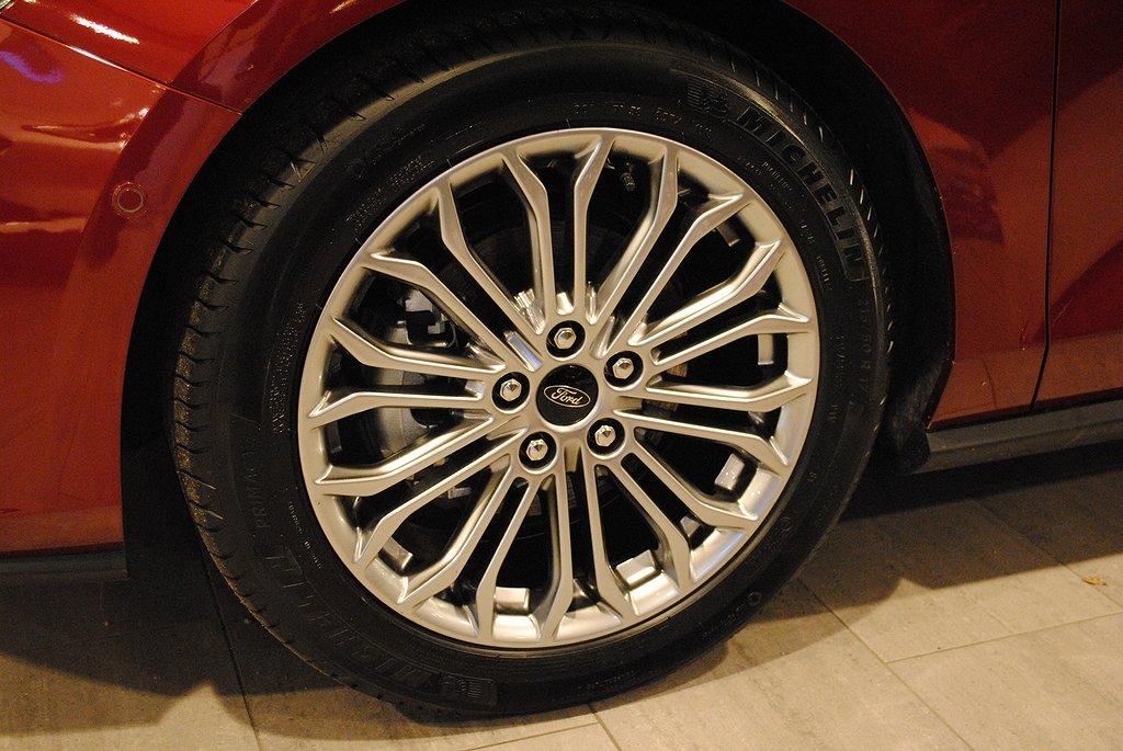 Ford Focus *1.95%ränta*Nya 1.0T EcoBoost 125hk Titanium Launch Editio