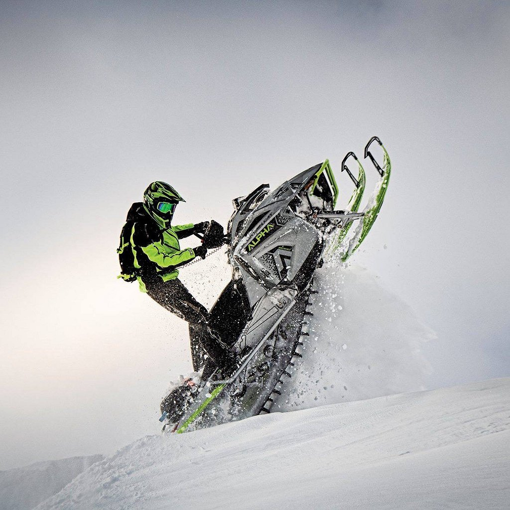 Arctic Cat Mountain Cat ES Alpha *Boka Nu