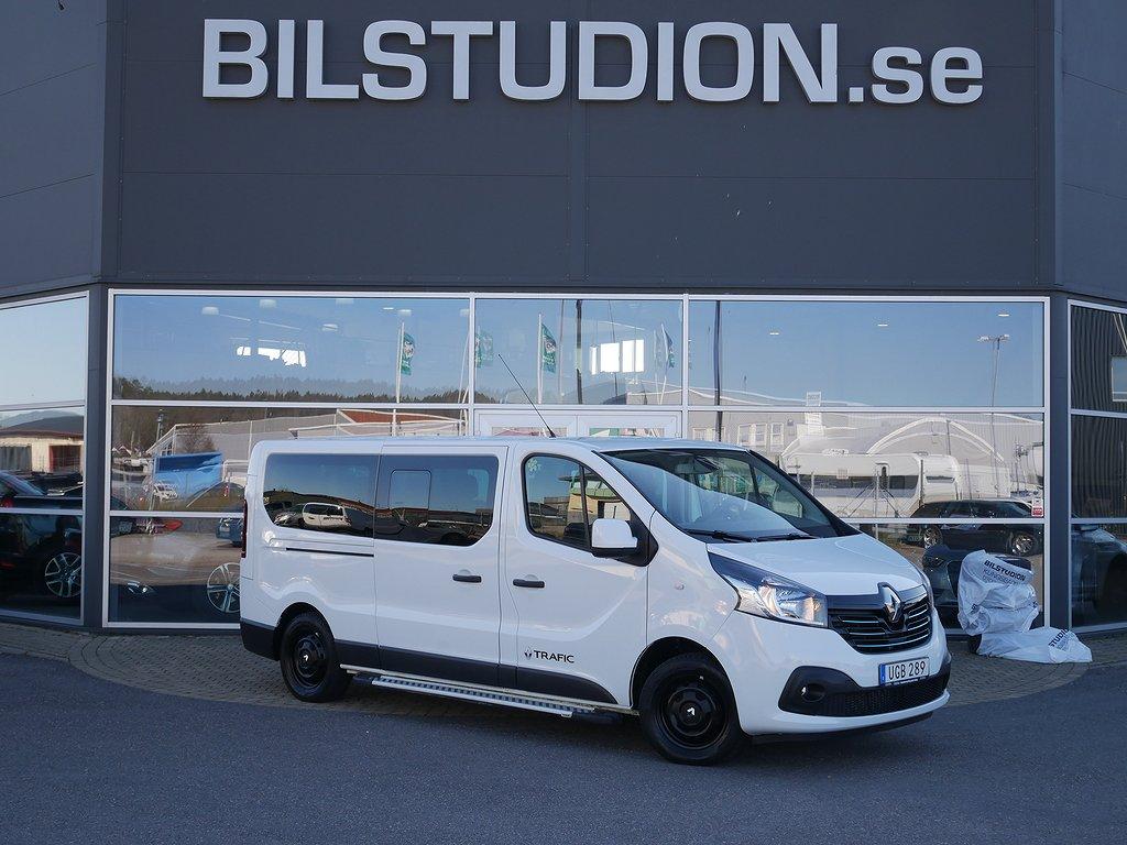 Renault Trafic III Passenger 9Sits Handikapps anpassad med lift-ramp