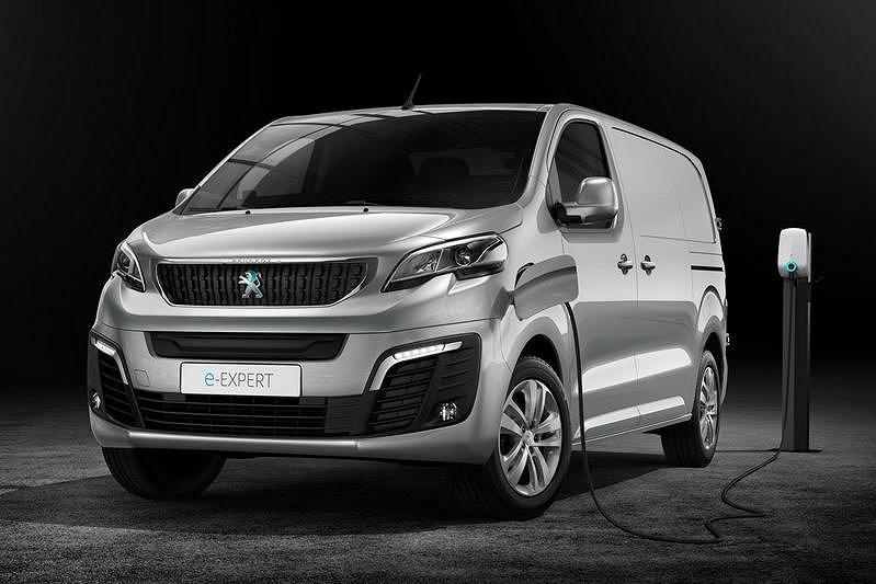 Peugeot e-Expert PRO L3 75 kWh 330 km på EL