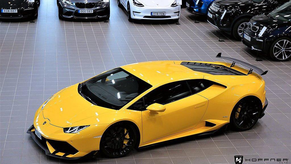 Lamborghini Huracán snett framifrån