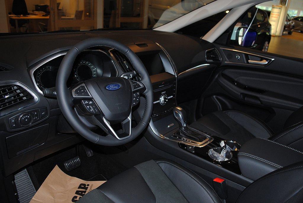 Ford S-Max 2.0T EcoBoost 240hk Aut Business 7-sits, El-drag