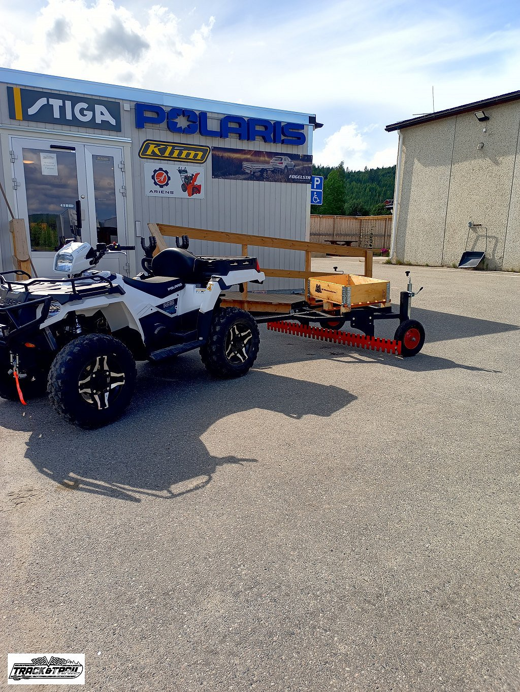 Polaris Utrustning till ATV Plog/Vagnar/Sladdar/Sopvals m.m