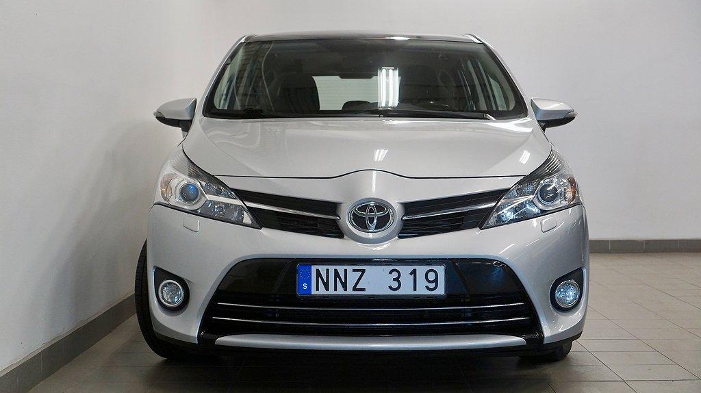 Toyota Verso 2.0 D-4D 7-sits Navi Panorama V-hjul