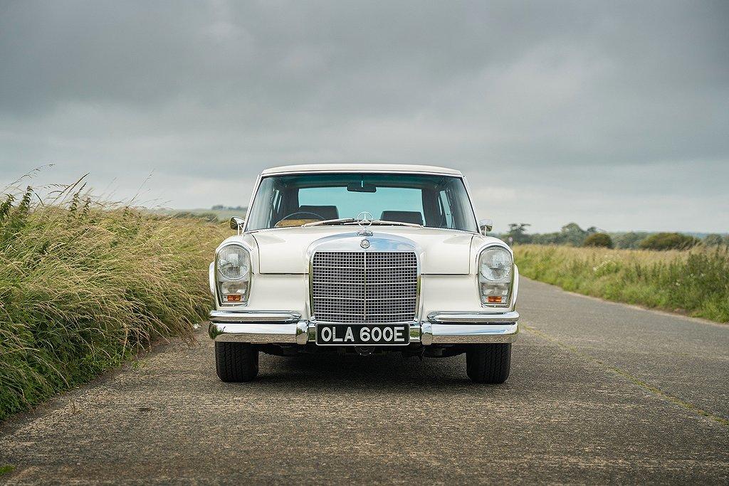 Mercedes-Benz 600 SWB.